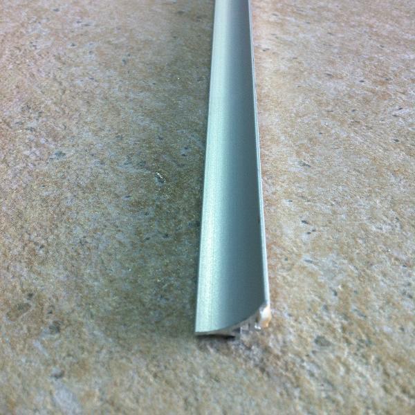 Profil de blat concav autoadeziv din aluminiu eloxat 15x15mm-EWA150