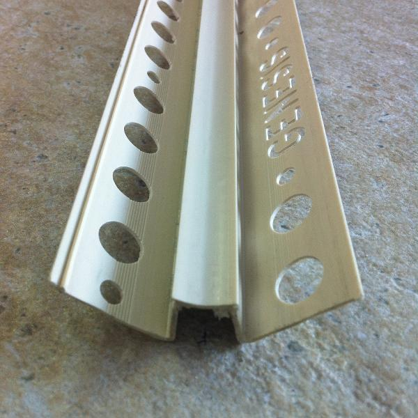 MIC100-Bagheta concava dedilatatie din PVC.A=10mm