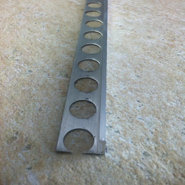 EMA100-Bagheta dreapta din aluminiu neeloxat 10mm